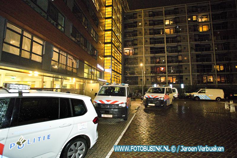 Persoon gewond na zware mishandeling in De Klockelaer in Dordrecht.