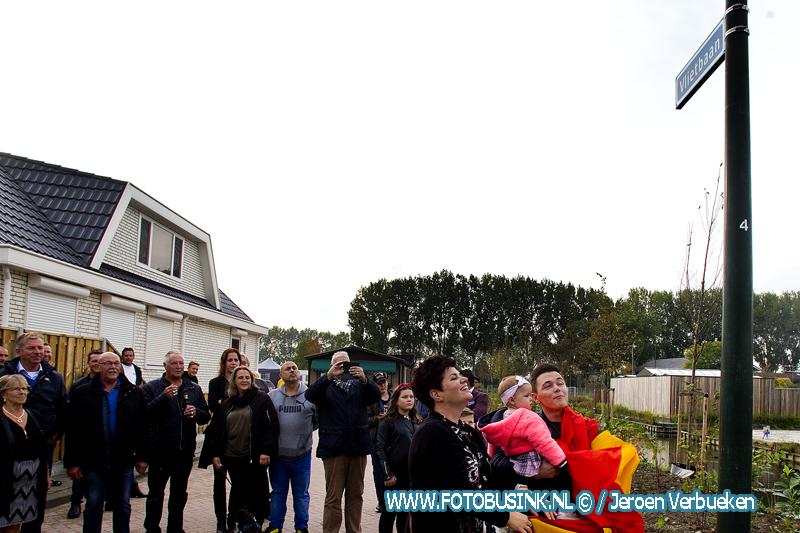 Officiële opening van de nieuwe woonwagenstandplaats aan de Vlietbaan in Alblasserdam.