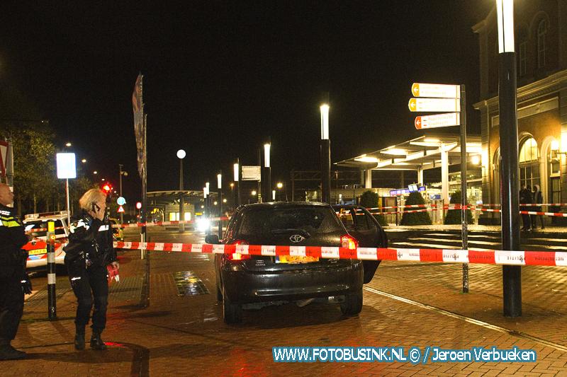 Auto met inzittende meerdere malen beschoten in centrum van Dordrecht