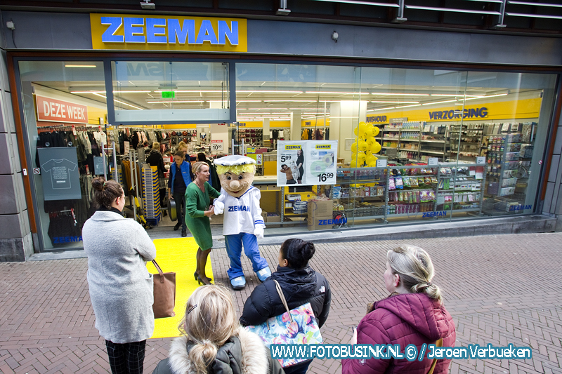 Nieuwe Zeeman geopend aan de Kolfstraat in Dordrecht.