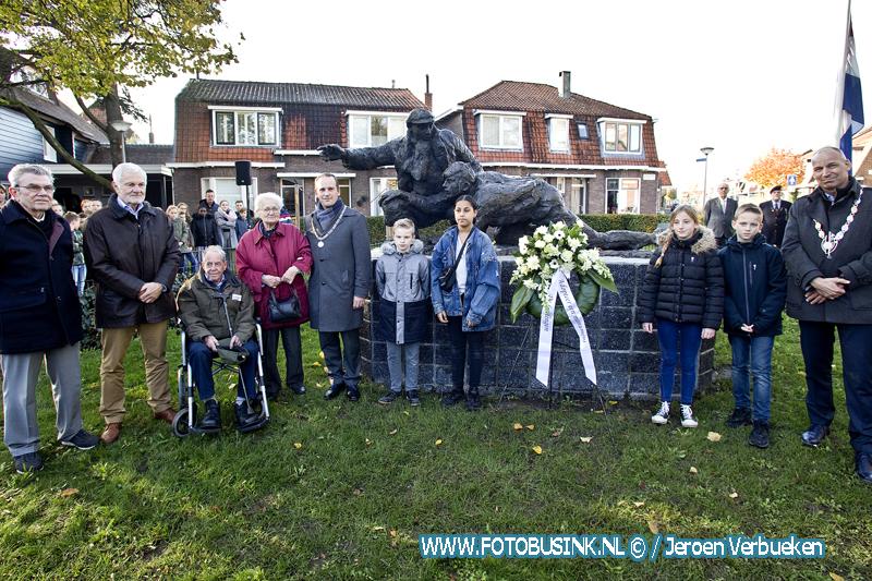 Herdenking 75 jaar Liniecrossers in Sliedrecht.