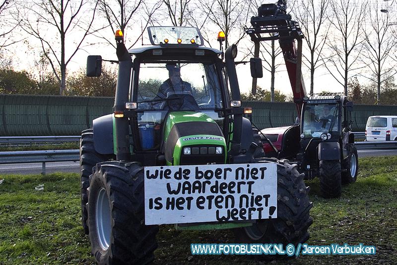 Boeren Protest langs de A15 en A27