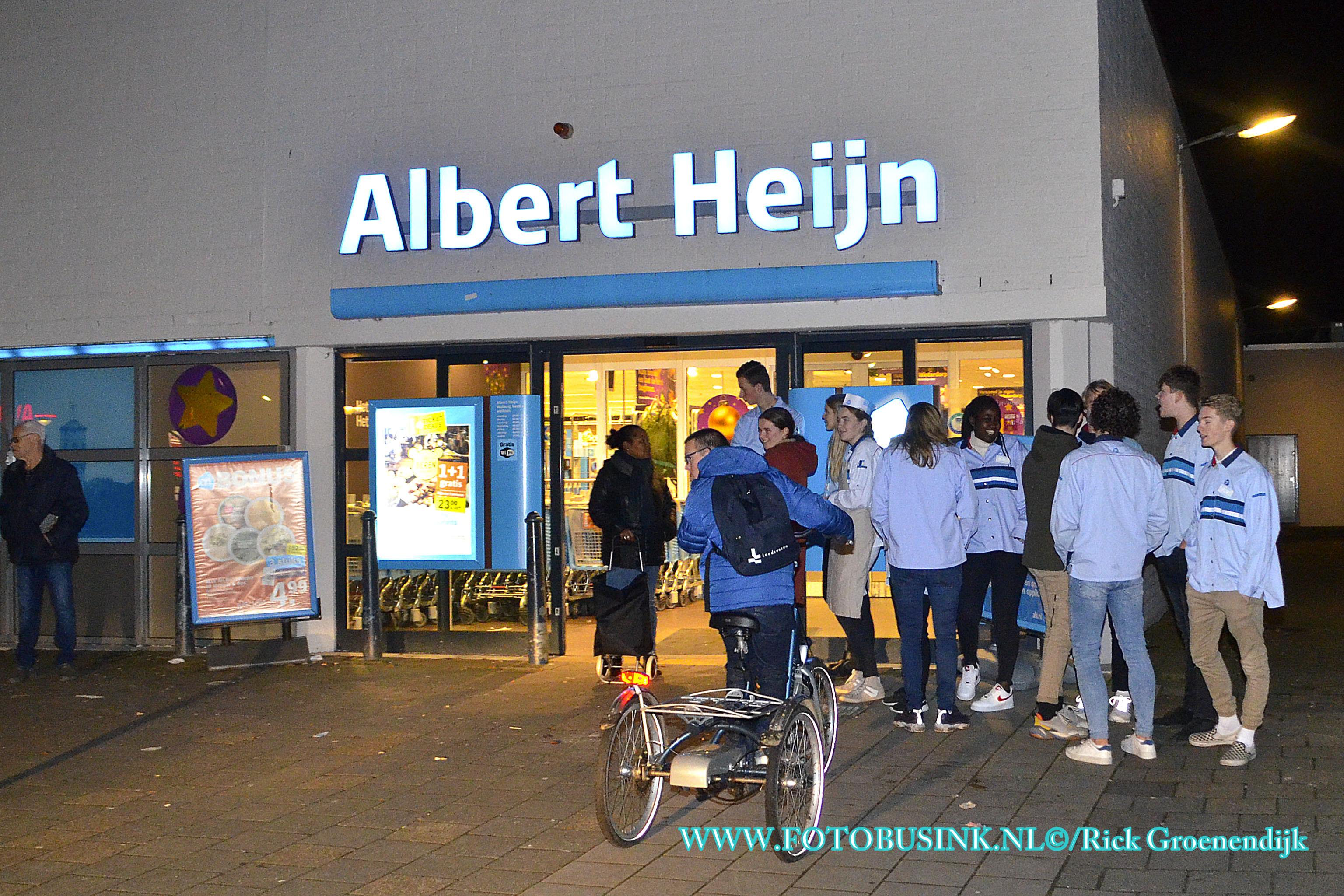 Brandweer opgeroepen voor gaslucht in de Albert Heijn Zwijndrecht.