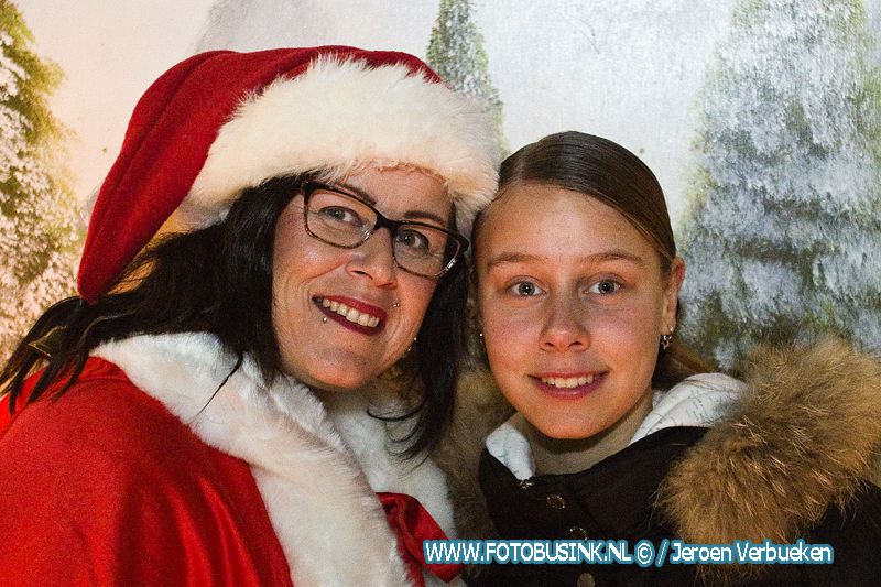 Meer dan honderd gezinnen in Dordrecht blij gemaakt met Kerstpakket.