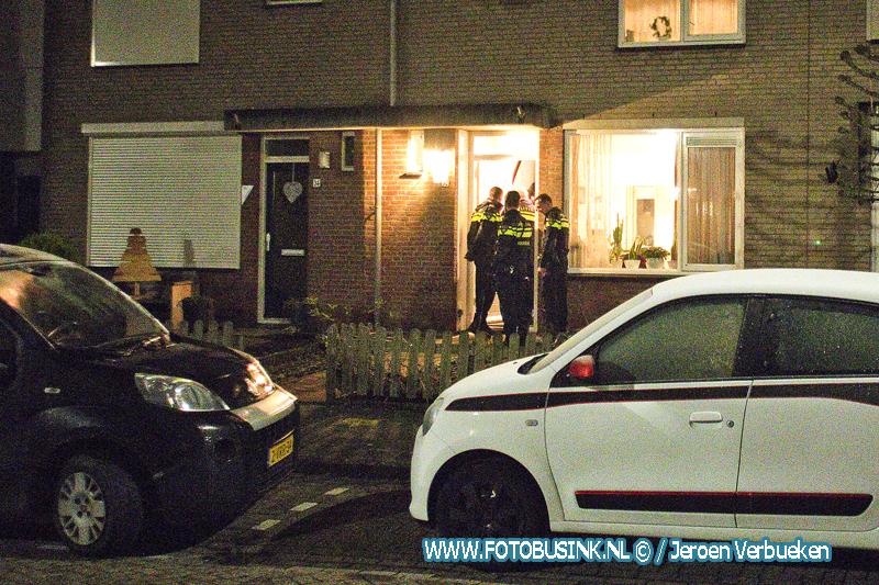 Jongeman aangehouden na steekincident in woning aan de Bogerd in Giessenburg.