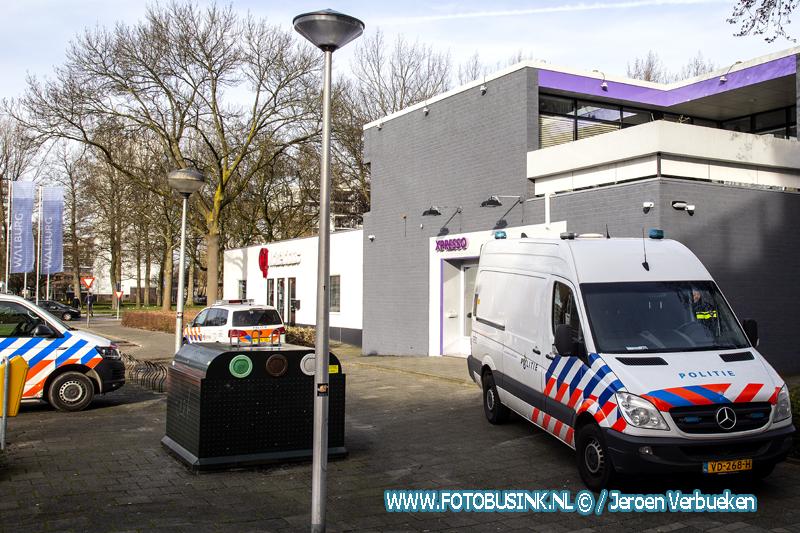 Politie doet onderzoek in gesloten Zwijndrechtse coffeeshop Xpresso.
