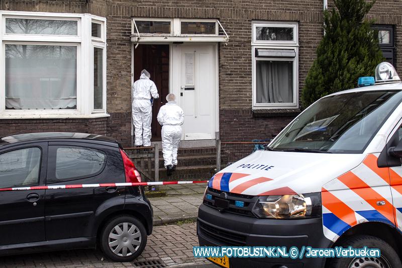 Man zwaar gewond na steekincident in woning aan de Transvaalstraat in Dordrecht.