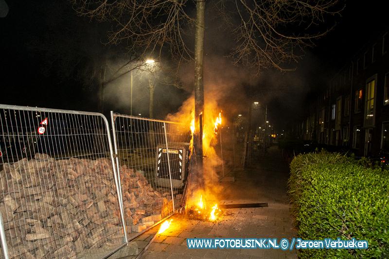 Boom in de brand aan de Patersweg in Dordrecht.