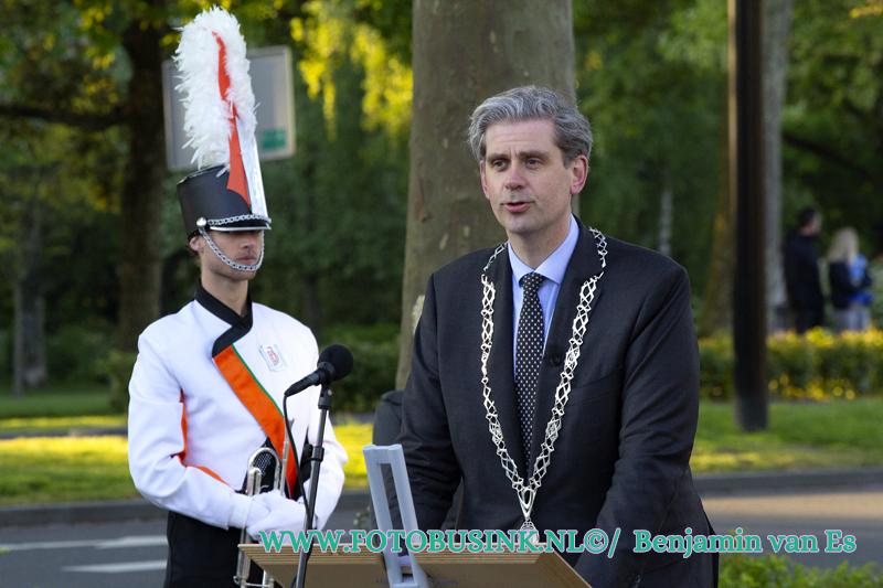 Dodenherdenking in Sliedrecht en Dordrecht.