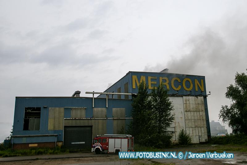 Brandweer maakt grip 1 voor brand in Alblasserdam.