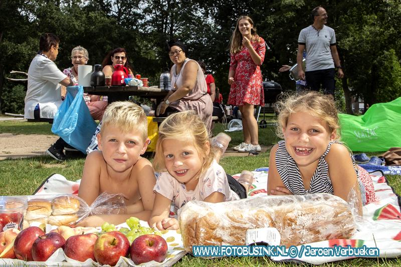 Wijkpicknick in het sterrenburgpark in Dordrecht