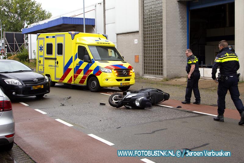 Scooterrijder gewond na aanrijding aan de Vierlinghstraat in Dordrecht.