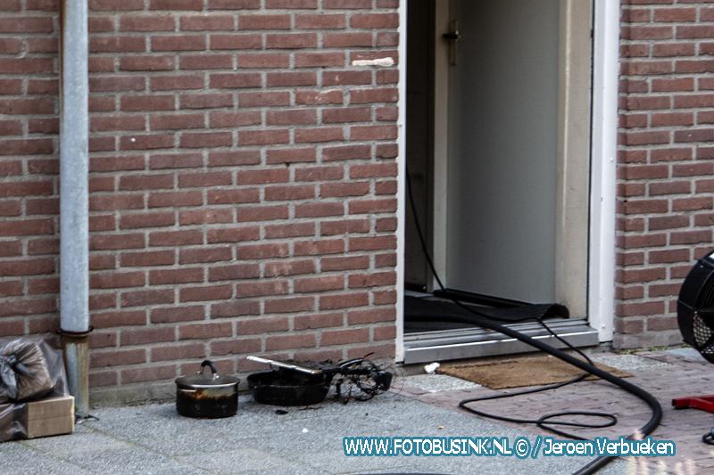 Brandweer Dordrecht opgeroepen voor een keukenbrandje.