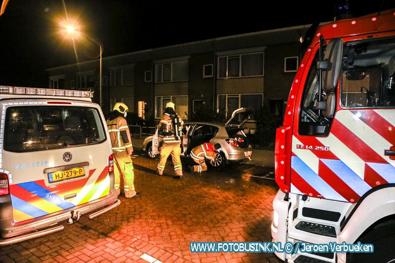 Twee auto's in de brand gestoken aan de Mees Toxopeusstraat in Dordrecht.