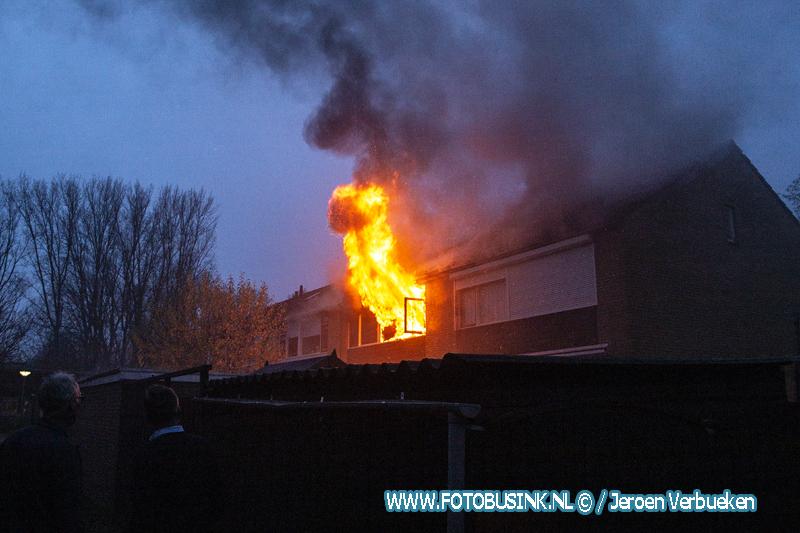 Uitslaande woningbrand aan de Schorpioenstraat in Dordrecht.