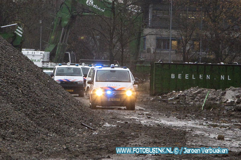 Veel inzet politie na melding ruzie aan de Laan van London in Dordrecht.