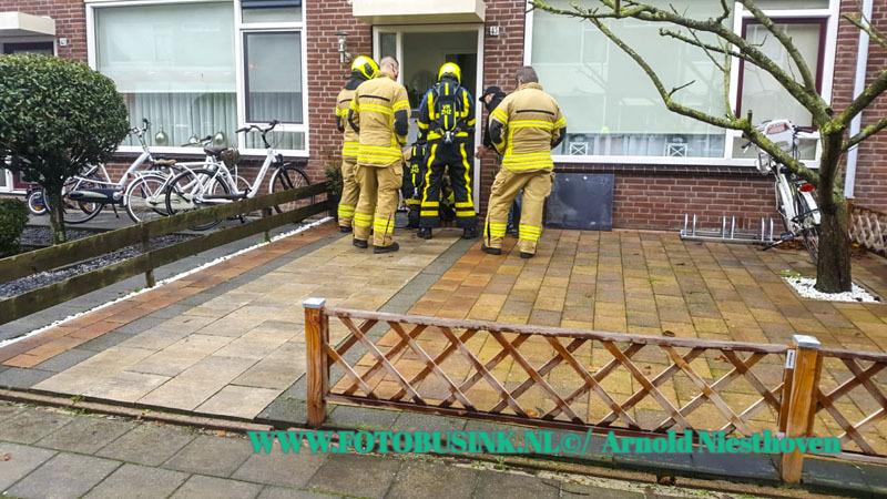 Brandweer Gorinchem opgeroepen voor gaslucht aan de Dirk Bommerstraat.