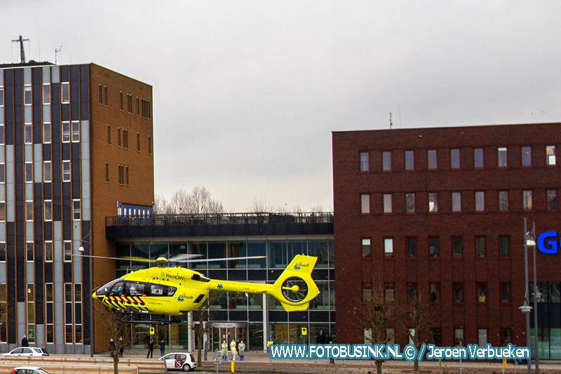 Lifeliner 5 bij ziekenhuis Dordrecht Coronaoverplaatsing.