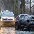 Auto klapt op boom aan de Provincialeweg in Dordrecht.
