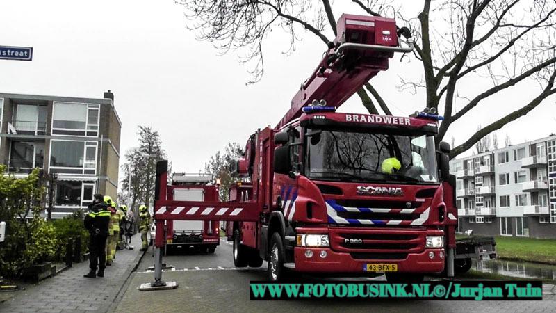 Brandweer opgeroepen voor schoorsteenbrand aan de Kievitstraat in Alblasserdam.