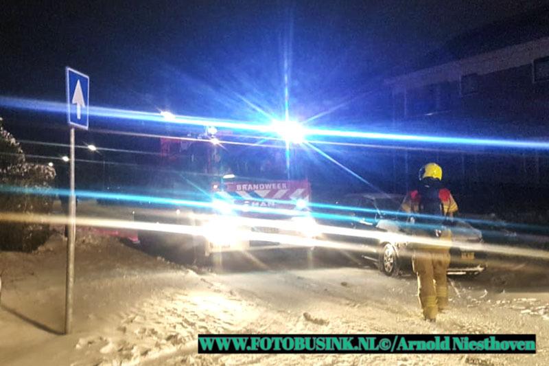 Auto verwoest door brand aan Testoenenstraat Gorinchem.
