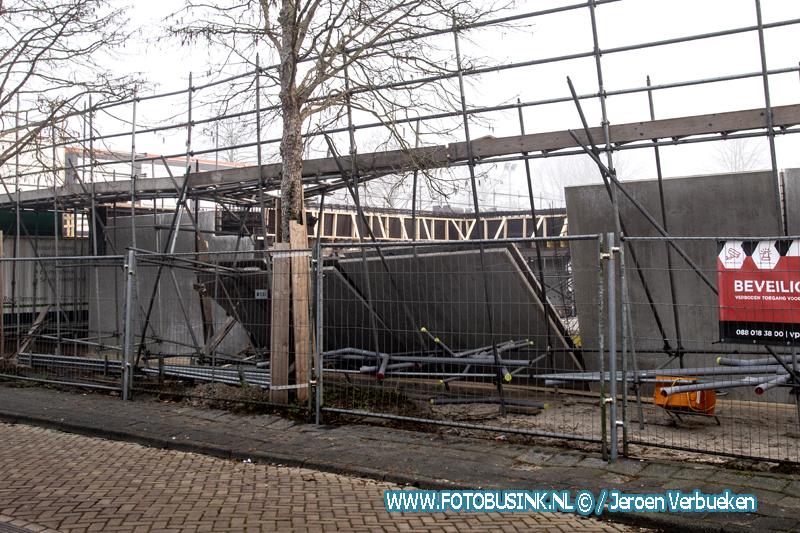 Muren nieuwbouwwoningen omgevallen aan de Marijkestraat in Hendrik-Ido-Ambacht.