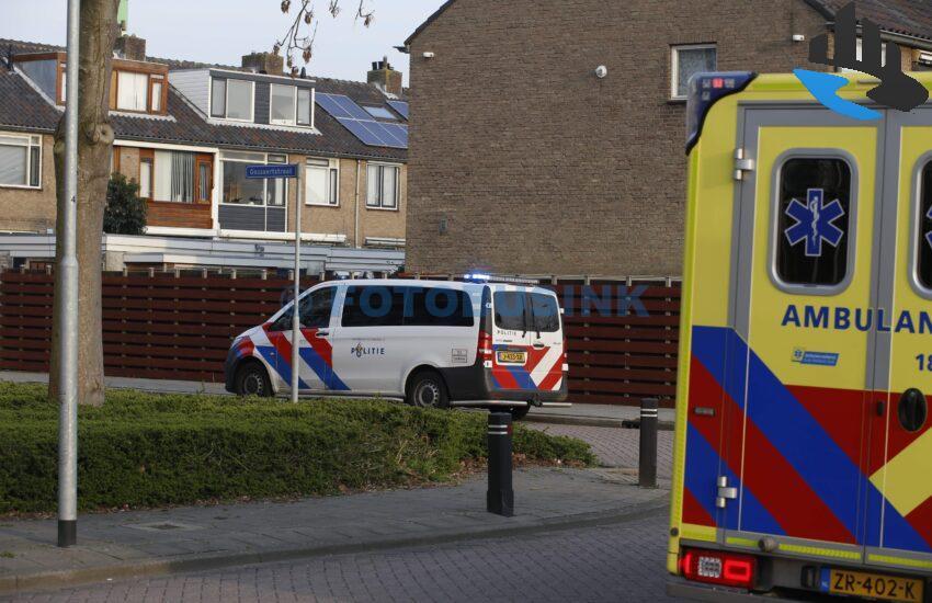 Man gestoken in hand aan de Frits Vogelstraat in Zwijndrecht.