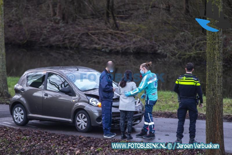 Hulpdiensten opgeroepen voor een ongeval letsel aan de Amstelwijckweg in Dordrecht.