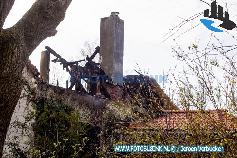 Grote brand aan Kilweg in Dordrecht verwoest huis.