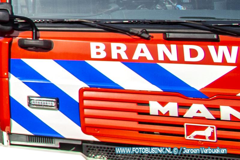 Zendmast in brand gestoken aan de Hooftmanlaan in Alblasserdam.
