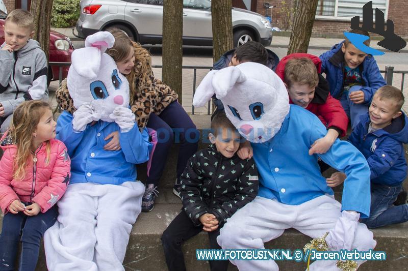 Paasfeest aan de Vermeerstraat in Zwijndrecht.