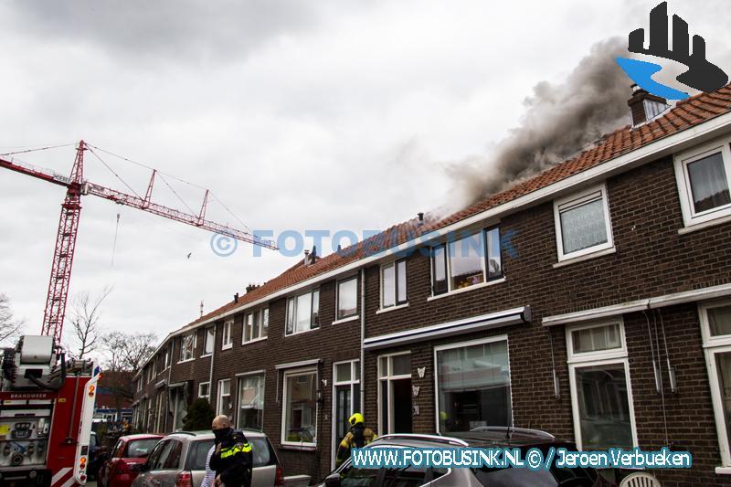 Zolderbrand aan de Dongestraat in Dordrecht.