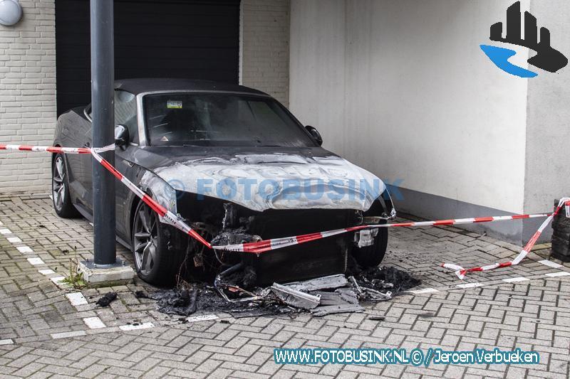 Zoveelste auto verwoest door brand in de regio.