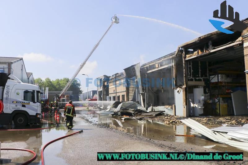 Grote brand in Lekkerkerk veroorzaakt overlast in de regio