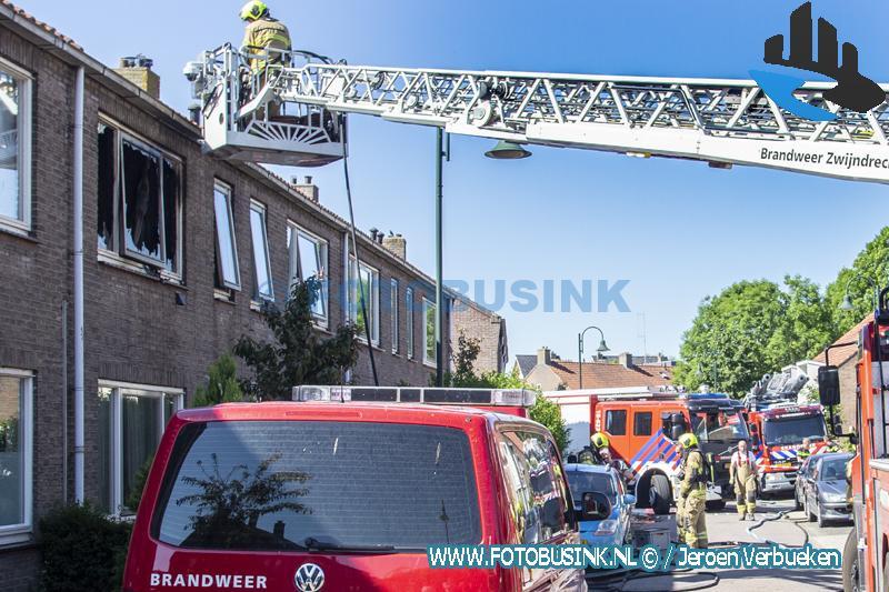 Uitslaande brand verwoest bovenwoning aan de Prins Bernhardstraat in Heerjansdam