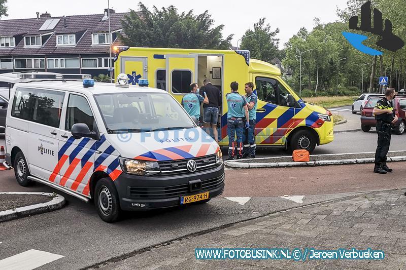 Fietser aangereden op rotonde aan de Galileïlaan in Dordrecht