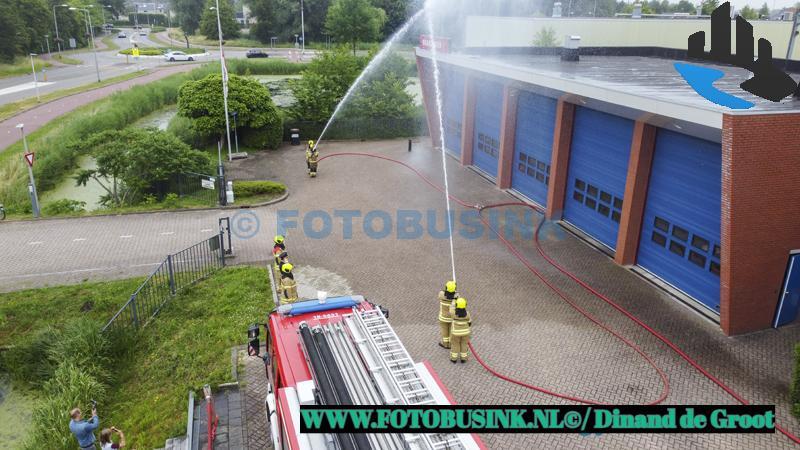 Nationale Brandweerherdenking op verschillende brandweerkazernes in Nederland