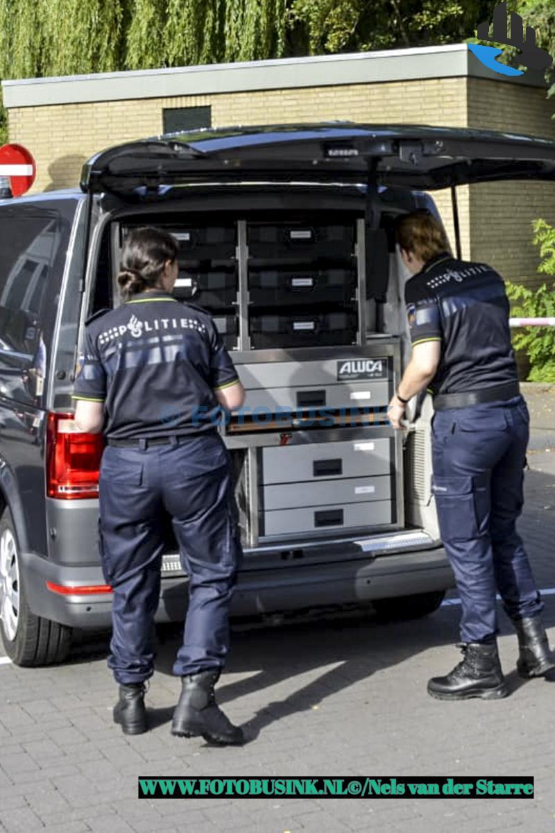 Dode in water aangetroffen naast winkelcentrum aan Den Bogerd in Hardinxveld-Giessendam