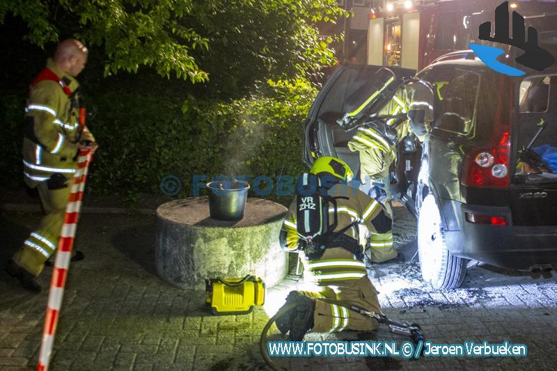 Brandweer opgeroepen voor een autobrand aan de Walenburg in Dordrecht
