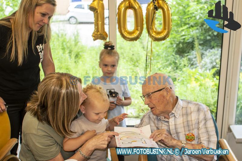 Dordtse schipper en brugwachter Henk Schot 100 jaar