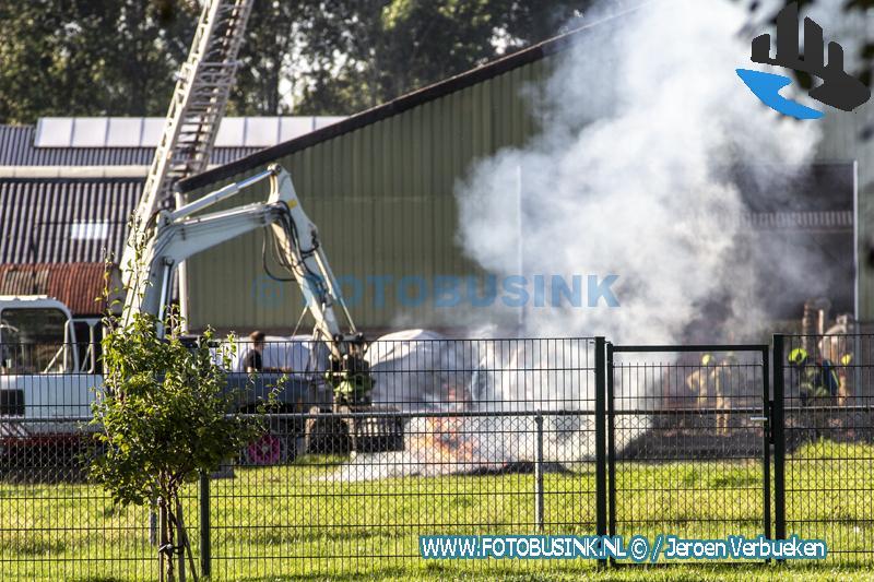 Brand in boerderijschuur aan de Koningin Wilhelminalaan in Hardinxveld-Giessendam