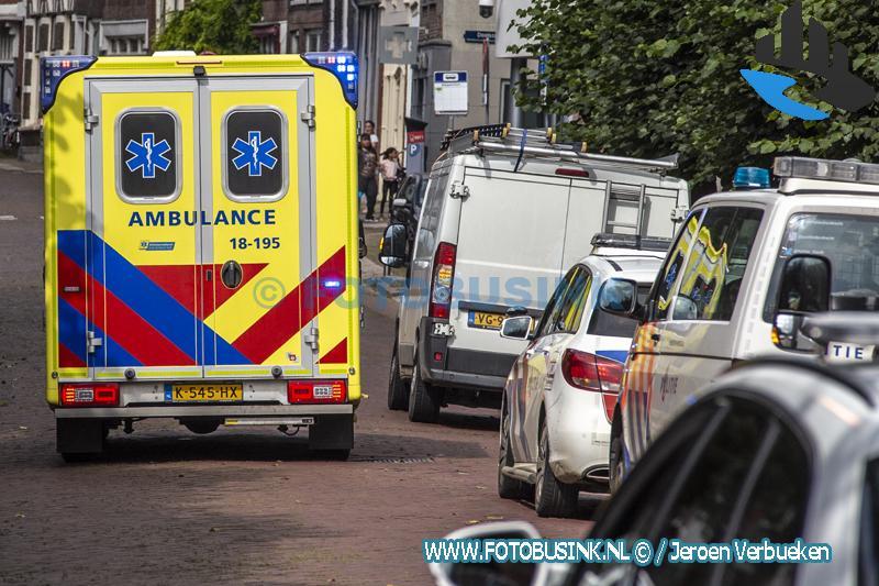 Man zwaar gewond na val van hoge steiger aan de Steegoversloot in Dordrecht
