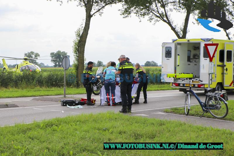 Fietser ernstig gewond na aanrijding met auto op de N214 bij Wijngaarden