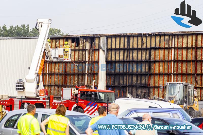 Grote brand bij Peute Recycling in Dordrecht snel onder controle