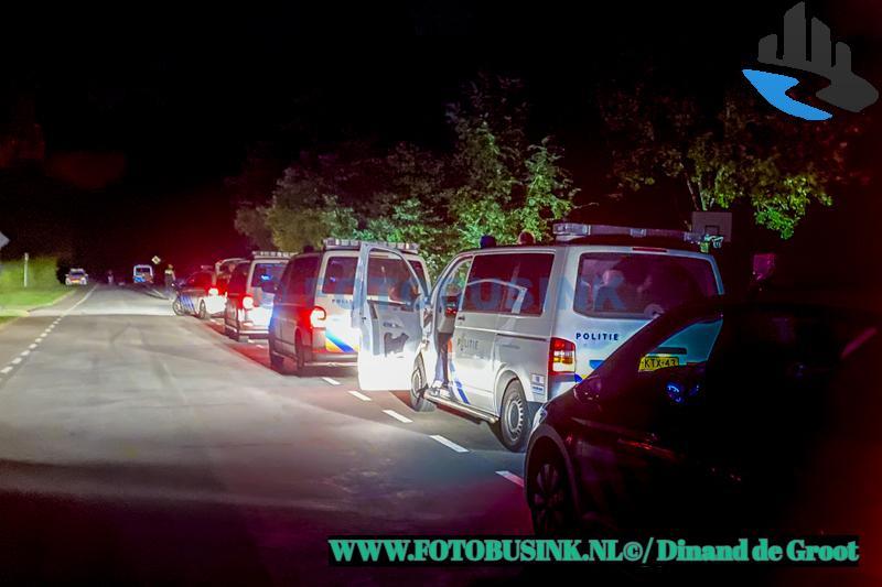 Politie beëindigt illegaal feest in recreatiegebied de Merwelanden in Dordrecht